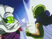 Kami fusionándose con Piccolo