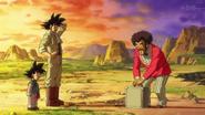 Satán llevándole dinero a Goku