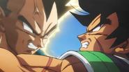 Broly y Vegeta enfrentados en combate