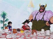 Rey Gyuma, Goku y Chi-Chi comiendo