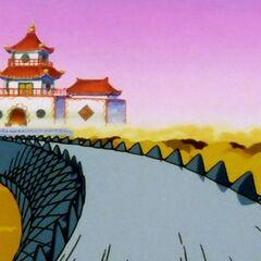Il Palazzo lungo la via del Serpente.