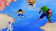 Freezer contro Gohan, Crilin e Piccolo