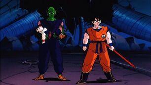 Goku utilizando el Baculo