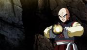 Tenshinhan usa il Nuovo Cannone dell'Anima