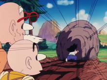 Son Gokû pousse un rocher