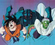 Garlick Jr. golpeando a Goku y Piccolo