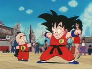 Goku e crili con la tuta di genio