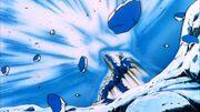 Goku respinge l'attacco di Cooler