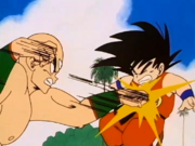 Ten ataca Goku paralitzat