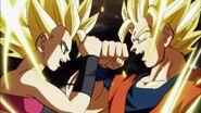 Caulifla y Goku SSJ2