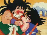 Tijera Yamcha a Goku