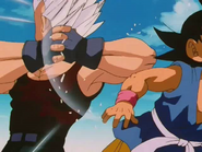 Baby Vegeta golpea a Goku