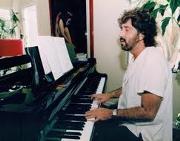 Shuki Levy-piano