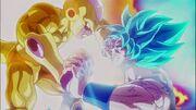 Golden Frieza vs Super Saiyan God SS Goku