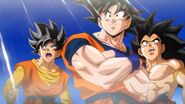 Son Goku y los dos Héroes Ultimate Tenkaichi
