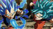 Vegeta e Son Goku attaccano Jiren