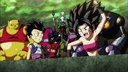 Caulifla gritándole a Goku