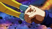 Gli Zeno e Son Goku si salutano
