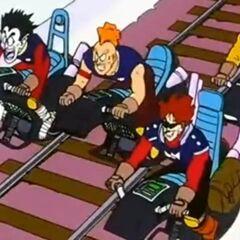 La banda di teppisti Toad Warriors sulle loro moto mono ruote.