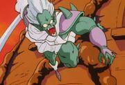 Nikky attaque avec son sabre
