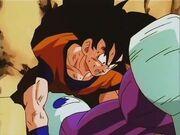 Cooler colpisce Goku