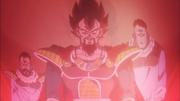 Rey Vegeta mirando con orgullo a su hijo Broly