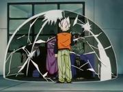 Goku rompe la barriera protettiva di Vodka