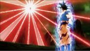 Kefla prepara su ataque definitivo frente a Goku