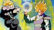 Trunks del Futuro ataca a Goku