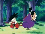 Goku ayuda a Murasaki
