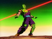 Piccolo interceptado por Freezer
