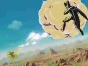 Goku scaglia una raffica di colpi contro Cell