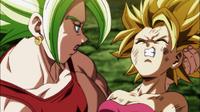 Caulifla colpita dalla sfera di Goku