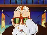 Maestro roshi manchado en la pelicula