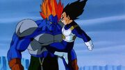 Vegeta attacca Super C-13