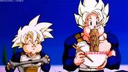 Gohan y Goku Comiendo