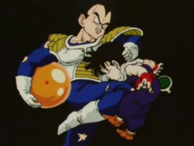 Vegeta kneed gohan in the stomach m2-1-