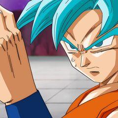 Супер Сайян Голубой Гоку готовится к атаке Хита