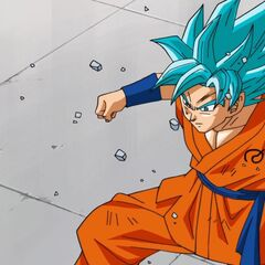 Супер Сайян Голубой Гоку наблюдает за изменениями Хита
