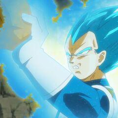 Супер Сайян Голубой Веджета отражает удар коленом Золотого Фризы
