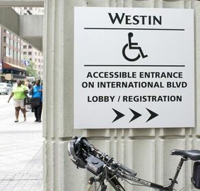WESTIN DS ENTRANCE crop