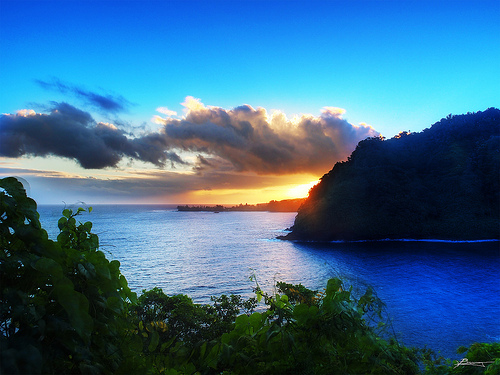 File:Road to hana.jpg