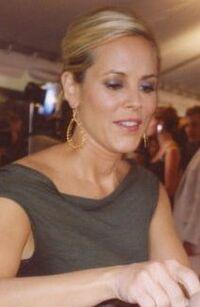 Maria Bello autografando2