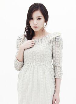 Min Hyo Rin12