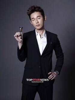 Heo Ji Woong001