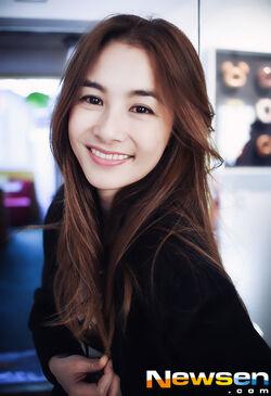 Imagini pentru kang hye jung
