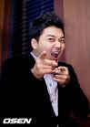 Jun Hyun Moo4