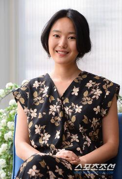 Yoon Jin Seo33