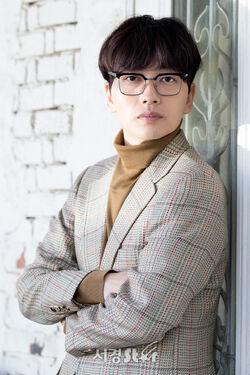 Lee Dong Hwi021