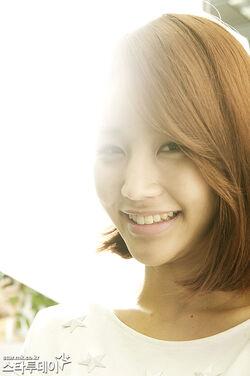 Yoon Jin Yi26